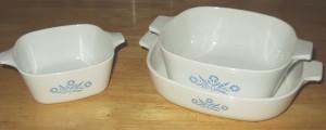 Corningware_(flower-print_casserole_dishes)