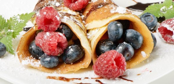 lemon-sugar-crepes-with-fresh-berries_hero_2.1.1.86552-146588